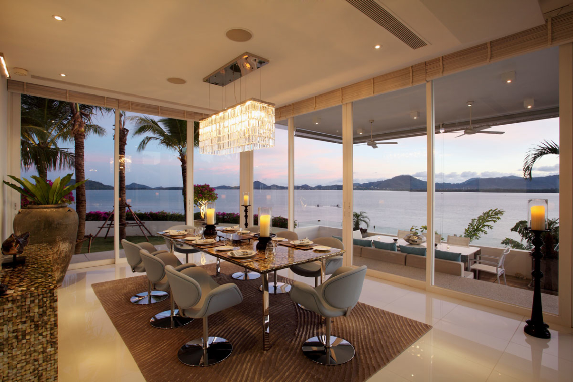 8 best dining areas w stunning views from the luxury for Salle a manger de luxe moderne
